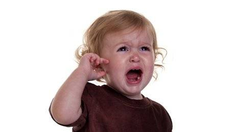 Почему у ребенка болит ухо?