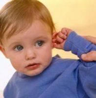 Что делать, если у ребенка болит ухо? Первая помощь при ушных болях у детей